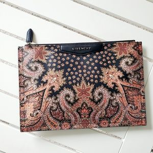 EUC Givenchy Antigona Clutch